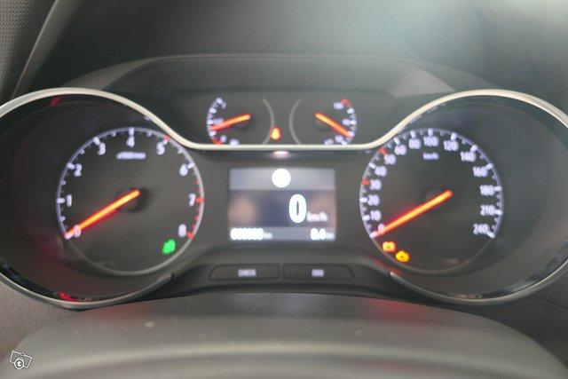 Opel CROSSLAND 10