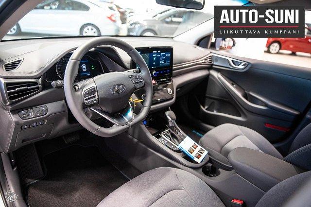 Hyundai IONIQ Plug-in 7