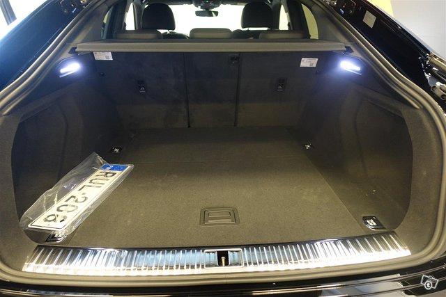 Audi E-tron 18