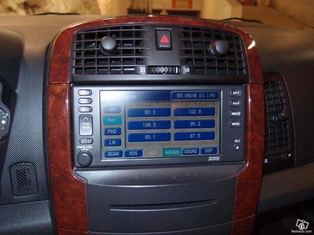 Cadillac SRX 11