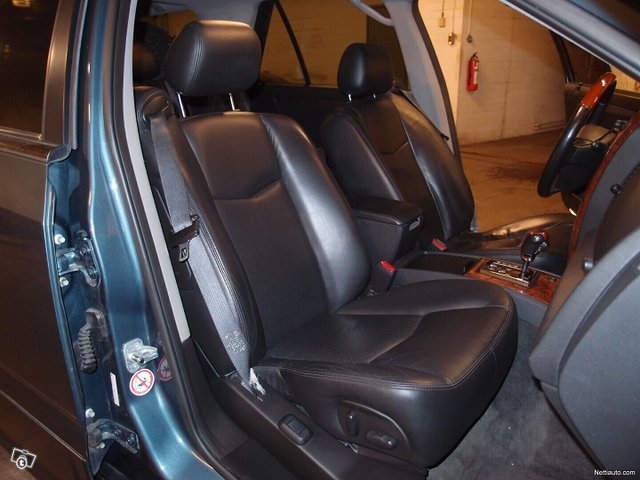 Cadillac SRX 14