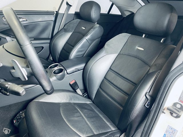 Mercedes-Benz CLS 63 AMG 7