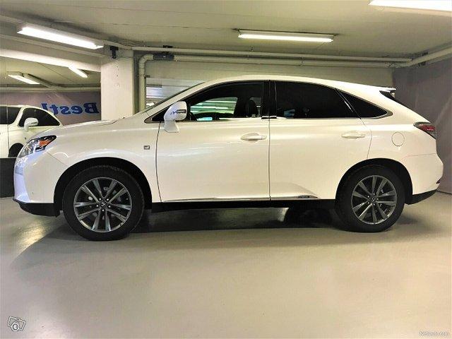 Lexus RX 8
