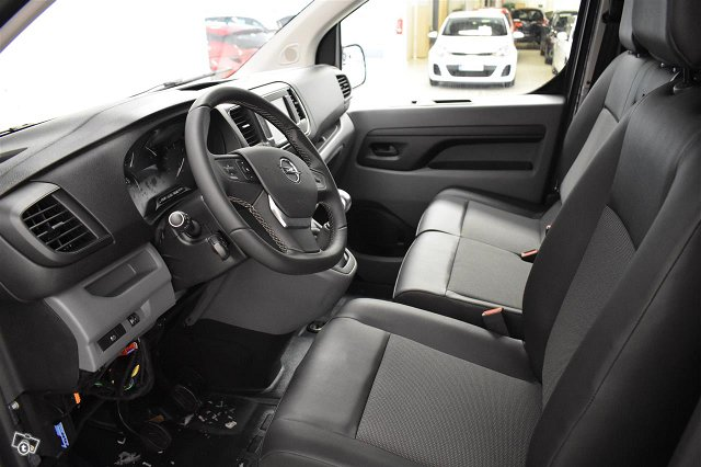 Opel Vivaro 6
