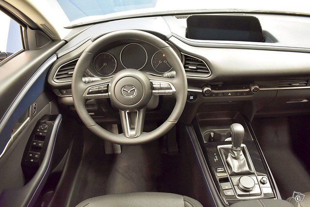 Mazda CX-30 10