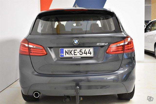 BMW 218 5