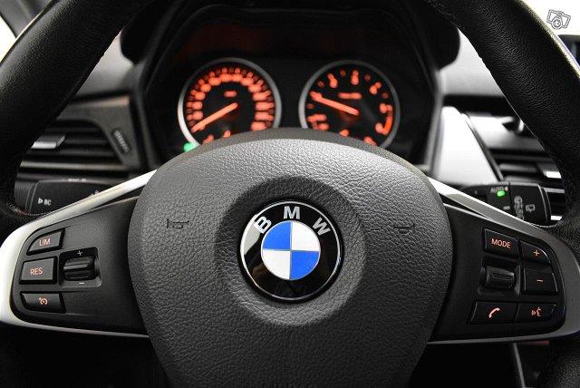 BMW 218 11