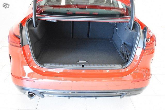 BMW 218 9