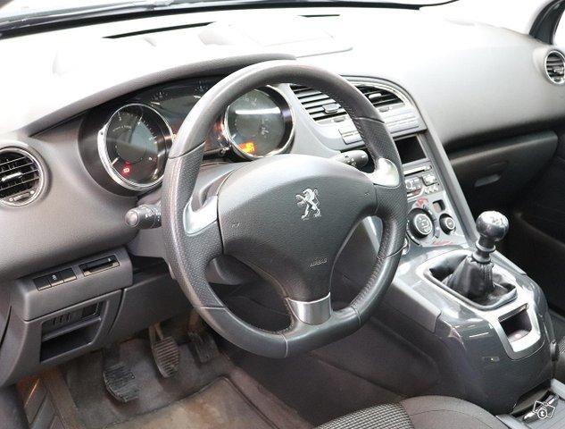 Peugeot 5008 9