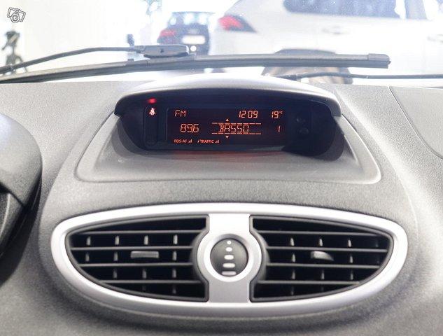 Renault Clio III 11
