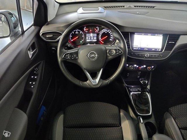 Opel Crossland X 10