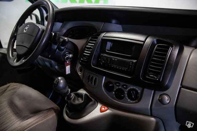 Nissan Primastar 12