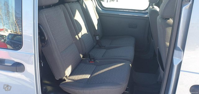 Ford Tourneo Connect 8