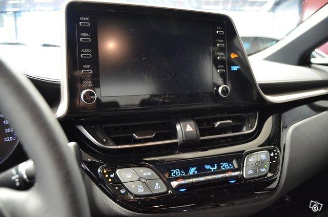 Toyota C-HR 8