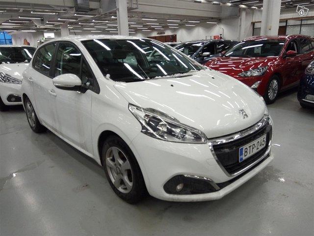 Peugeot 208 1