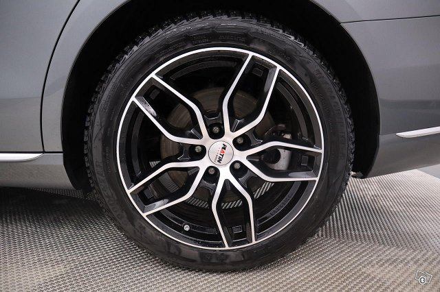 Mercedes-Benz E 25