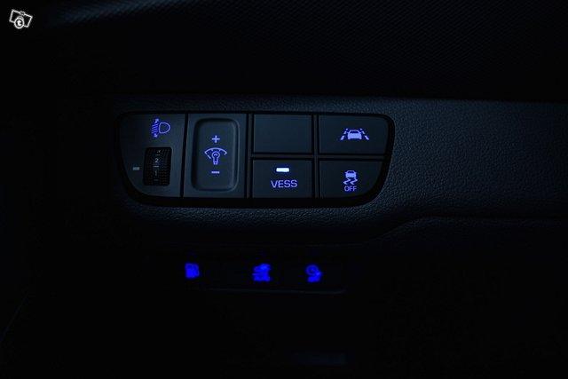 Hyundai IONIQ Plug-in 18