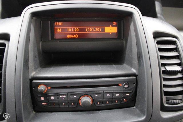 Renault Trafic 13