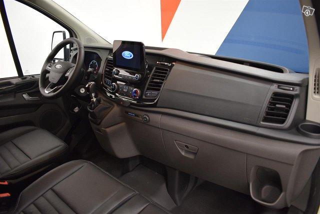 Ford Transit Custom 11