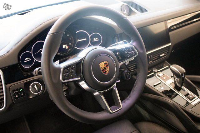 Porsche Cayenne 9