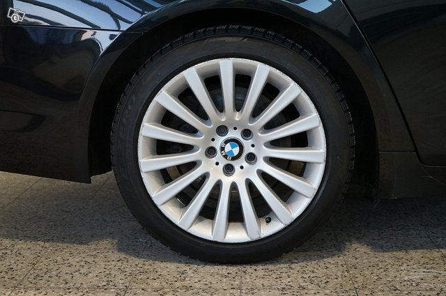BMW 740 25
