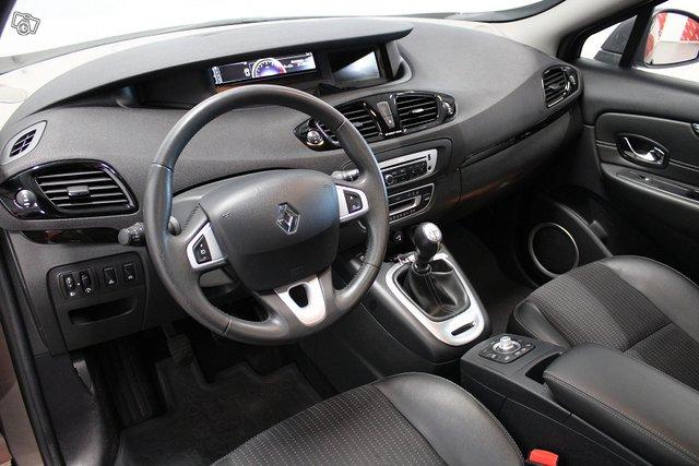 Renault Grand Scenic 10