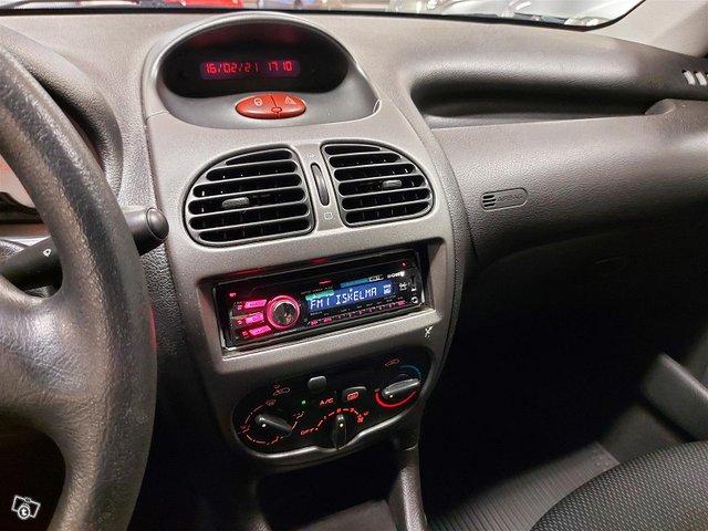 Peugeot 206 11