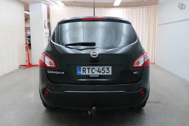 Nissan Qashqai+2 4