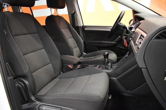 Volkswagen Touran 9