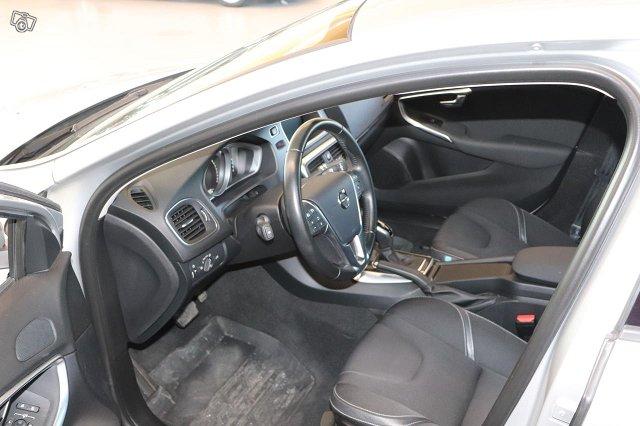Volvo V40 5