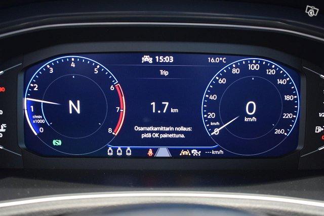 Volkswagen T-Roc 10