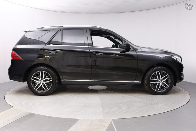 Mercedes-Benz GLE 6