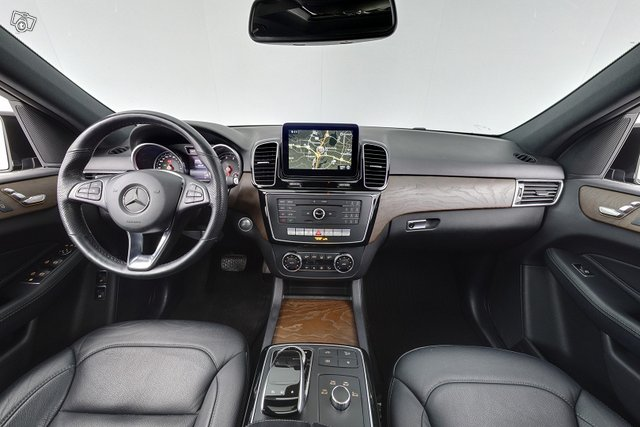 Mercedes-Benz GLE 11