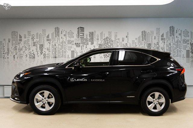 Lexus NX 3