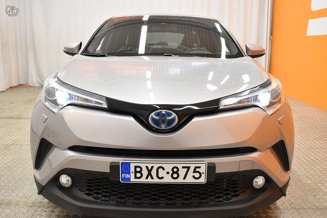Toyota C-HR 2