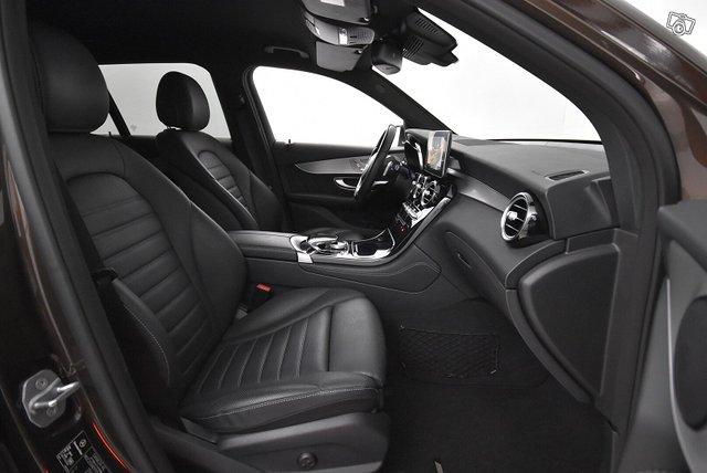 Mercedes-Benz GLC 10