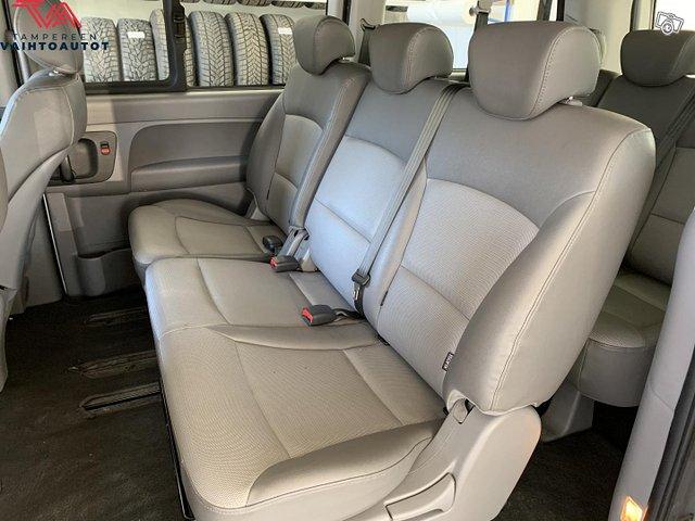Hyundai H1 Van 12
