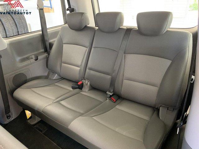 Hyundai H1 Van 13