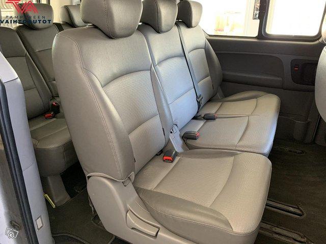 Hyundai H1 Van 14