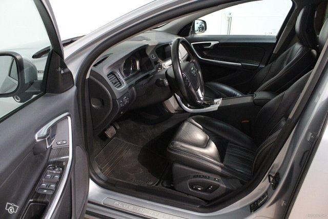 Volvo V60 5