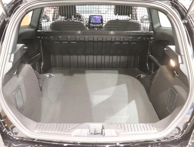 Ford Fiesta Van 11