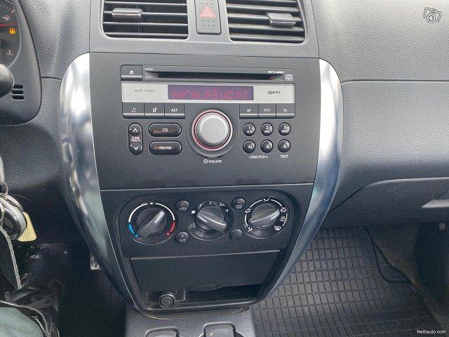 Suzuki SX4 16