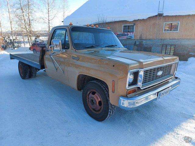 Chevrolet Cheyenne 2