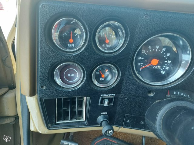 Chevrolet Cheyenne 8