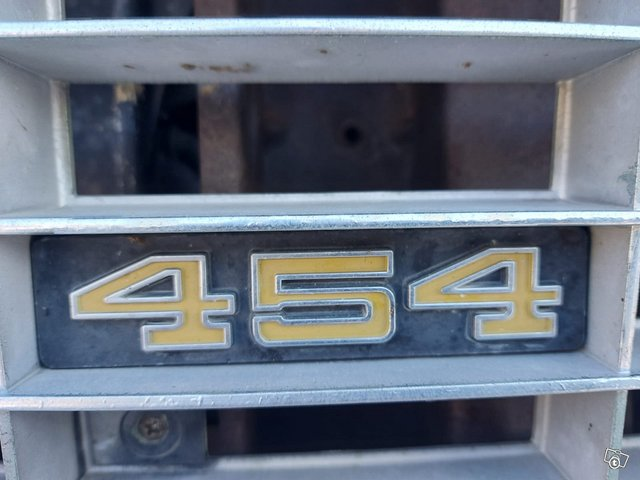 Chevrolet Cheyenne 11