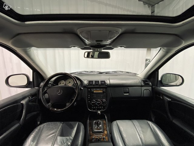 Mercedes-Benz ML 55 AMG 5