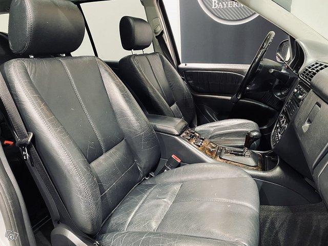 Mercedes-Benz ML 55 AMG 8