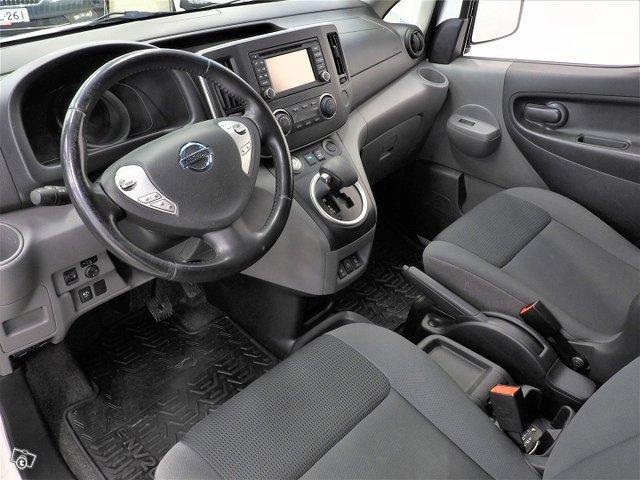 Nissan E-NV200 12