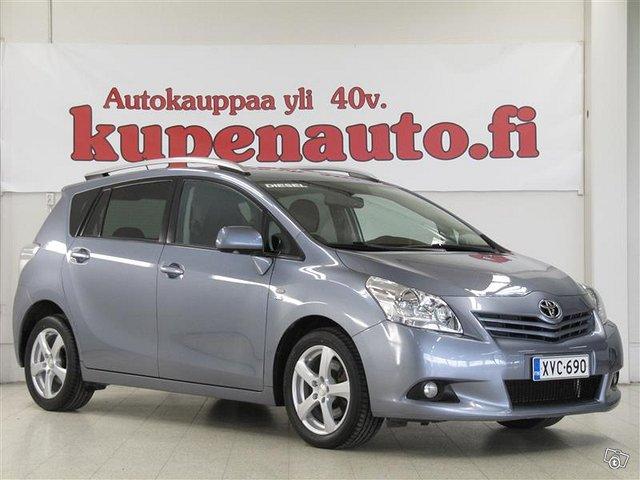 Toyota Verso 1