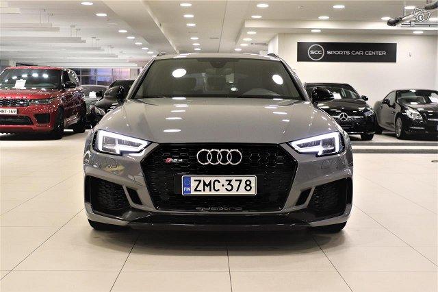 Audi RS4 9